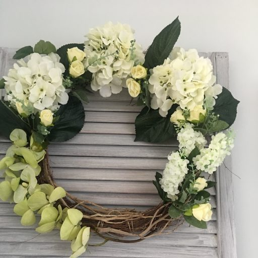 cropped-cropped-finished-wreath-13.jpg